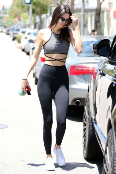 gallery-1436821699-sev-kendall-jenner